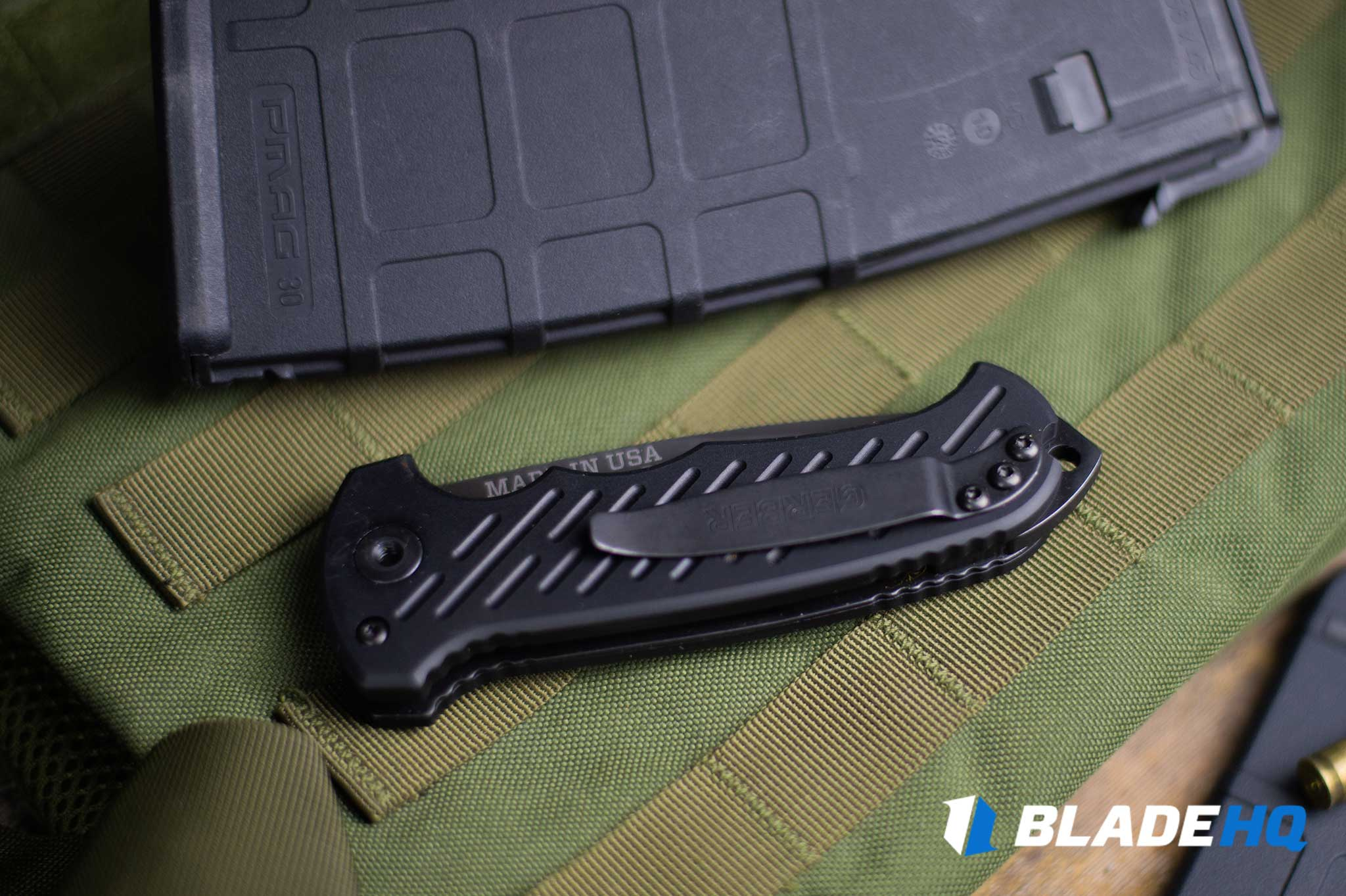 Gerber 06 Auto Knife Ease of Carry